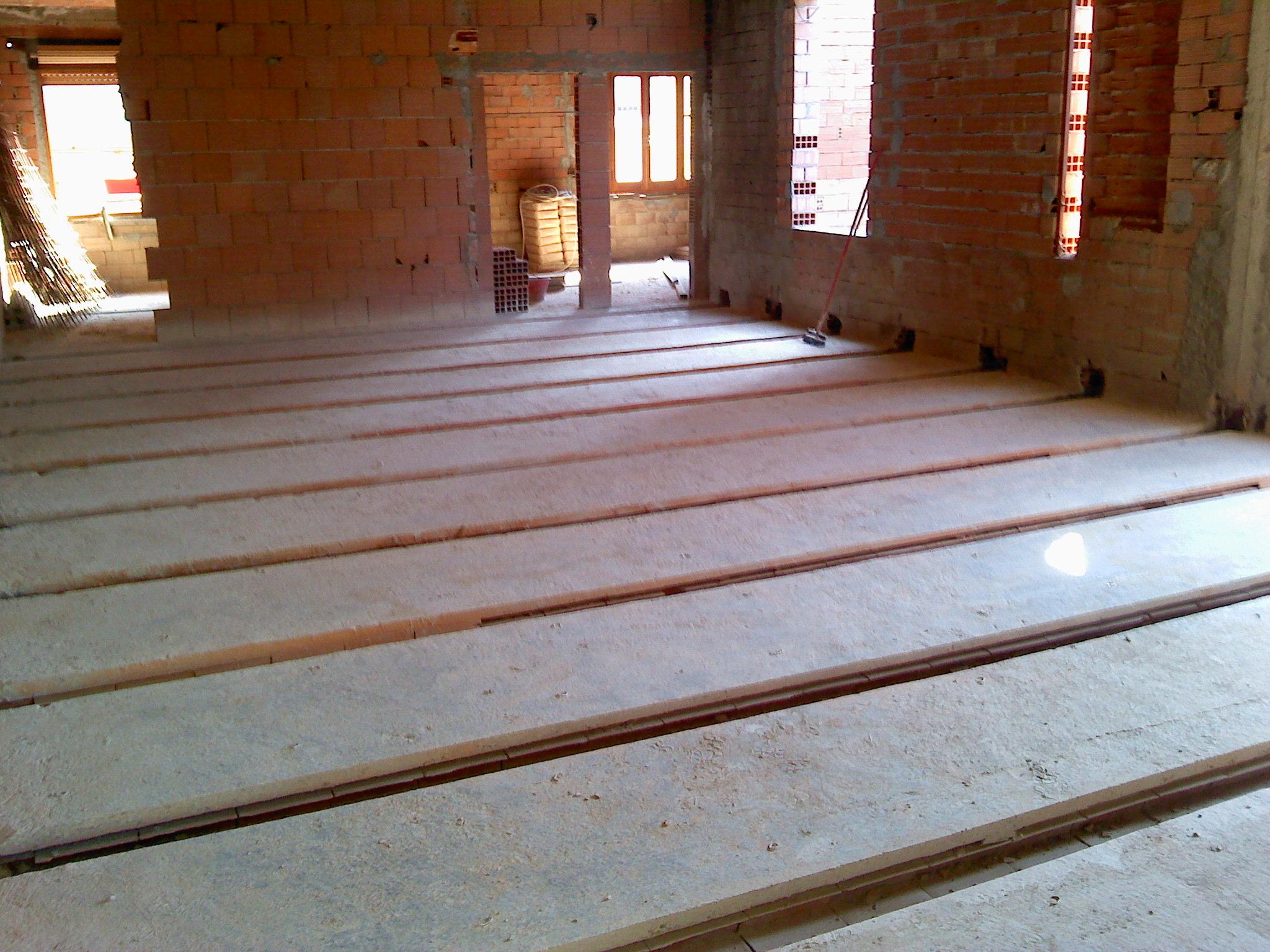 Riabilitazione solaio con travi in acciaio abitazione for Pianta del pavimento con dimensioni